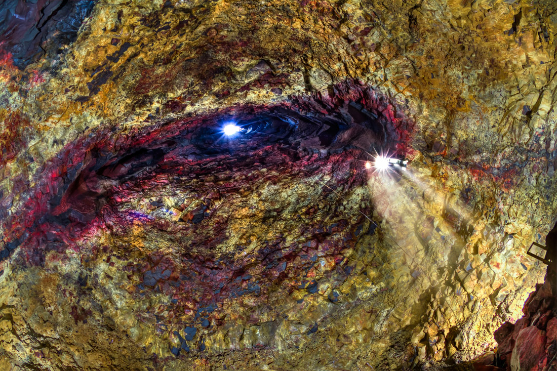 ケイビング・洞窟探検ツアー