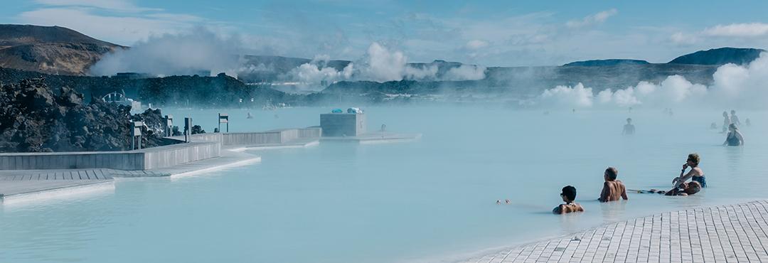 泡蓝湖温泉