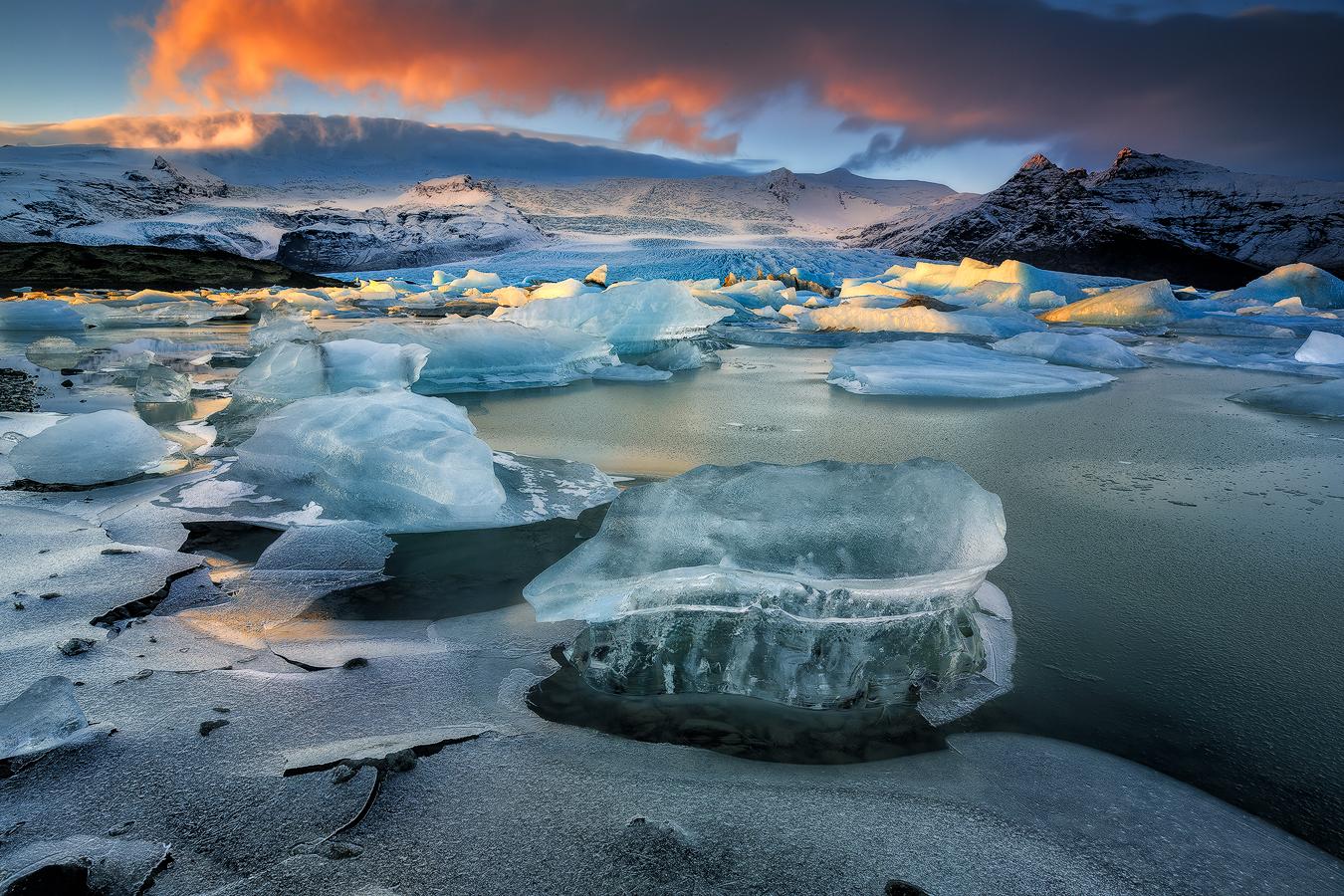 游览冰河湖