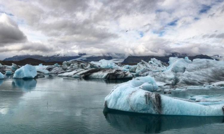 Prepárate antes de ir a tu caminata por el glaciar Sólheimajökull en la costa sur de Islandia.