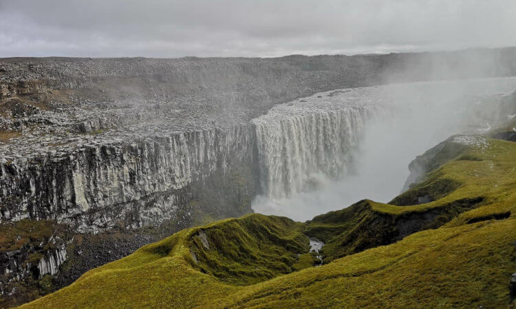 La montaña Vestrahorn, en el este de Islandia, es fascinante, inquietante y hermosa a la vez.